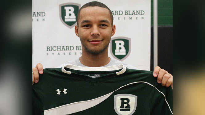Denzel-Speed-signs-with-Richard-Bland-College